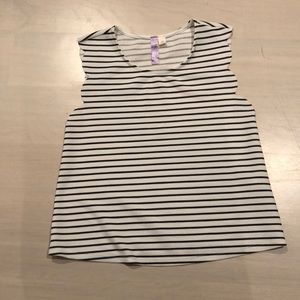 Stripped black and white tank top